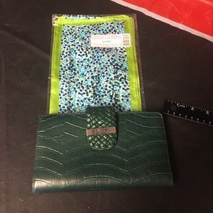 NWOT Wallet green and Thirty one scarf women's